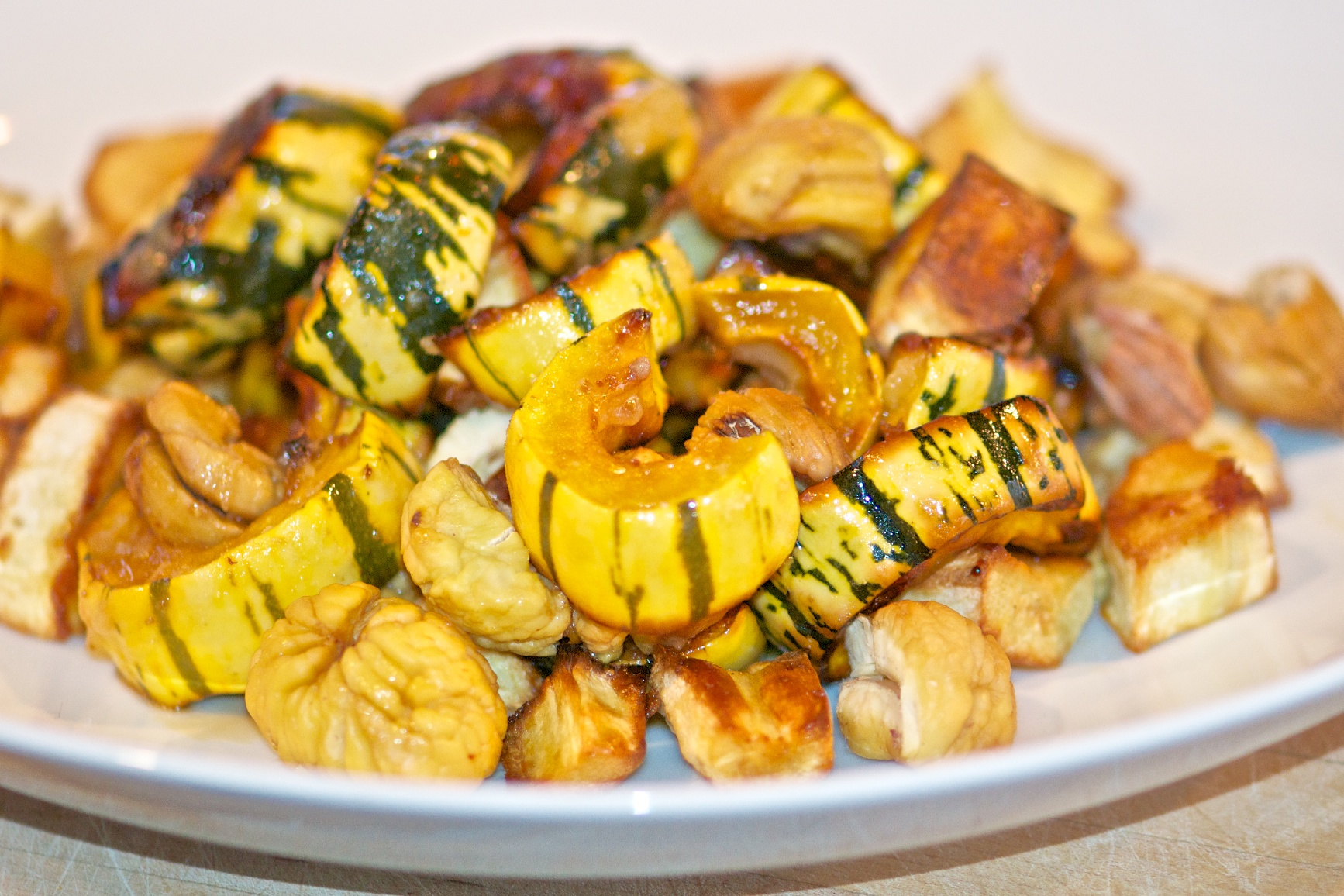 Roasted delicata squash and chestnuts with lemon sauce olive oil and lemons - Pizzeria venecia marbella ...