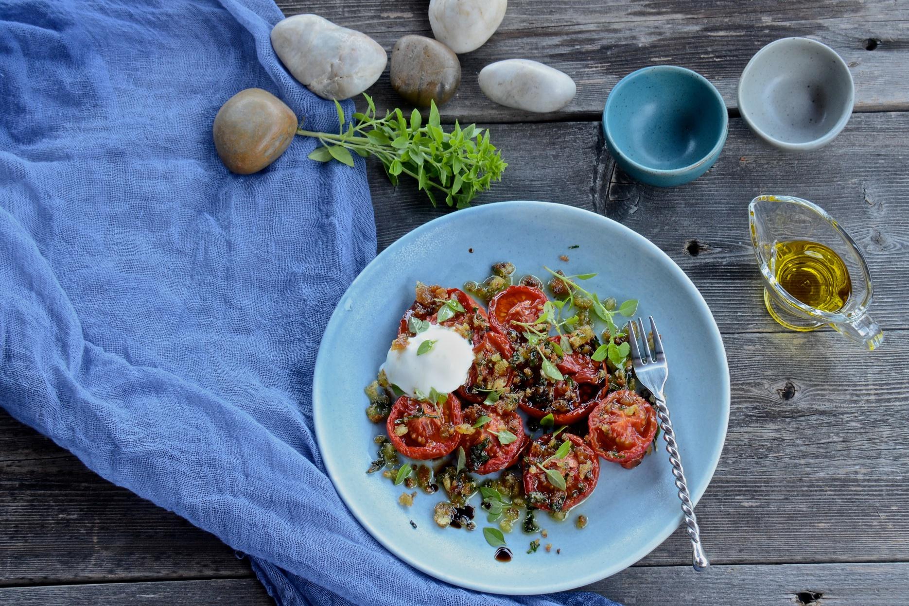 Slow roasted tomatoes salad with buffalo mozzarella olive oil and lemons - Pizzeria venecia marbella ...