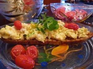 Scrambled-eggs-on-Poilane-Bread4