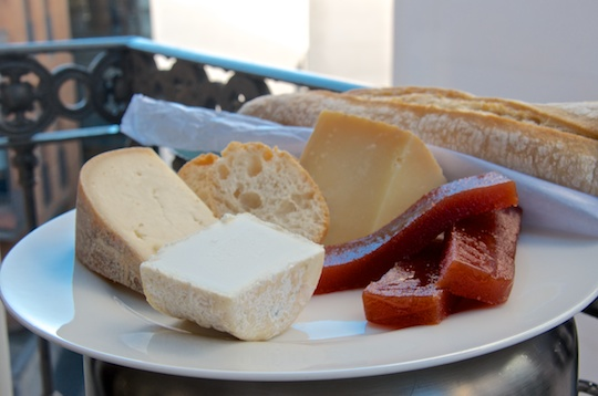 Cheese with quince preserve