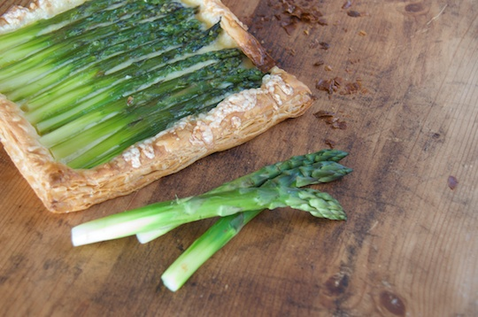 Asparagus tart with Gruyer Cheese