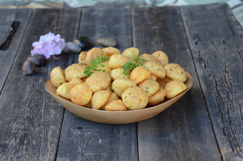 Gougères (cheese puffs)
