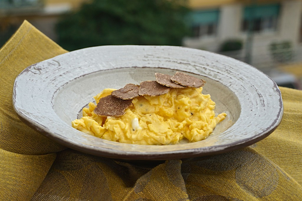 Eggs with white truffle