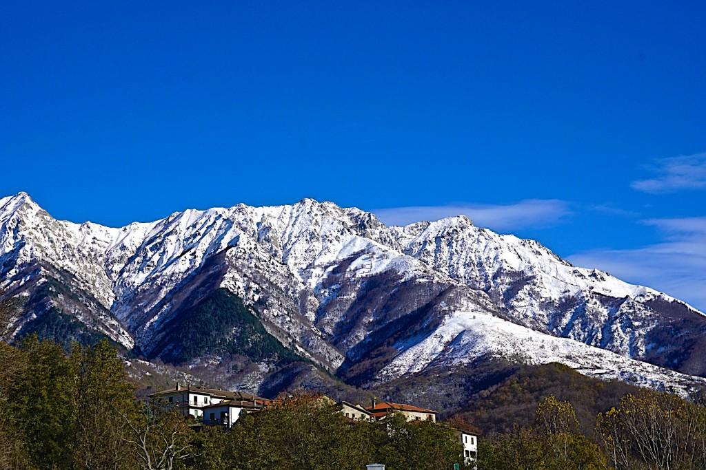 Snow on the Apenine mountains