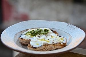Crostini with fresh ricotta