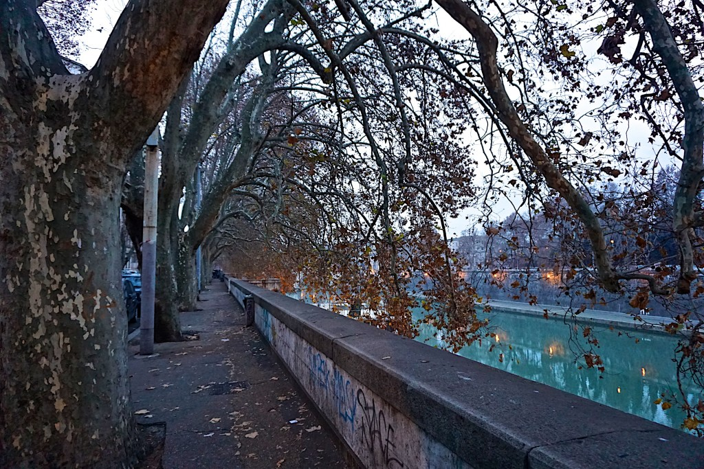 Along the river in Rome
