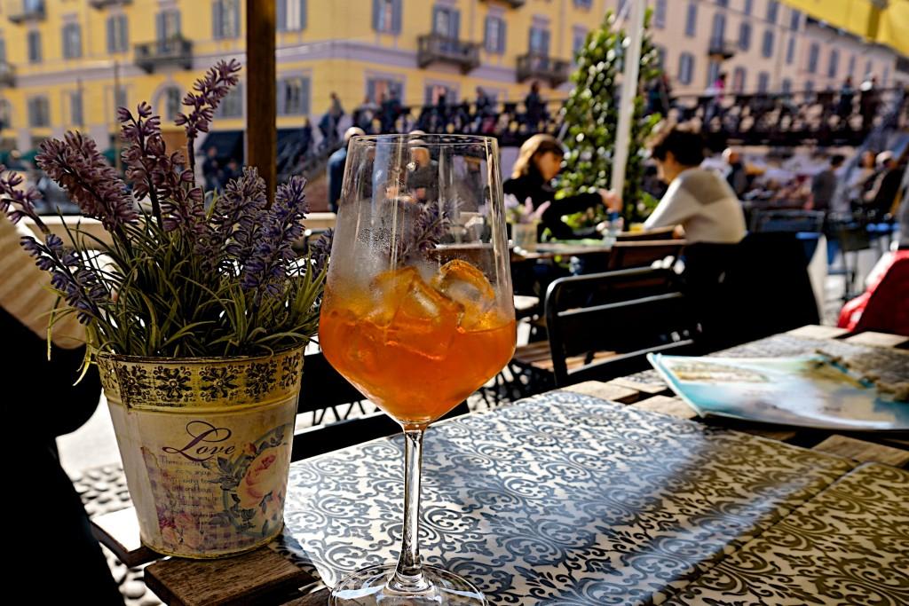 SAperol spritz in Milan