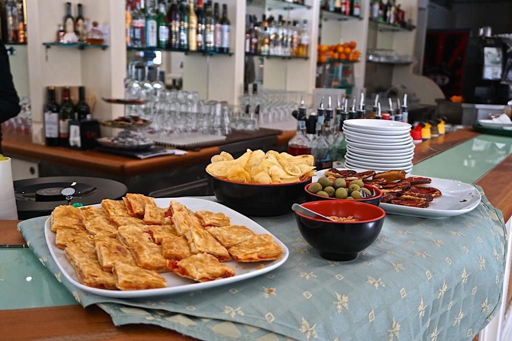 Aperitivo, Cafe bistrot, Fortei dei Marmi, Tuscany
