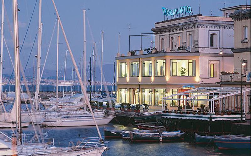 Transatlantico Ristorante, Naples