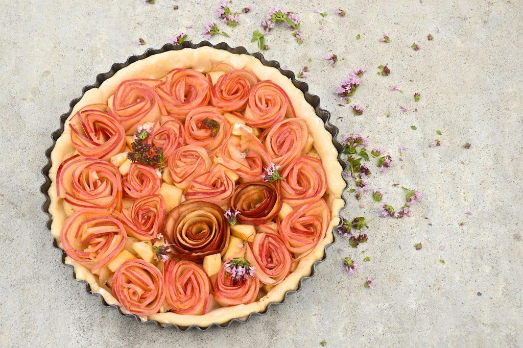 Apple roses tart - before baking