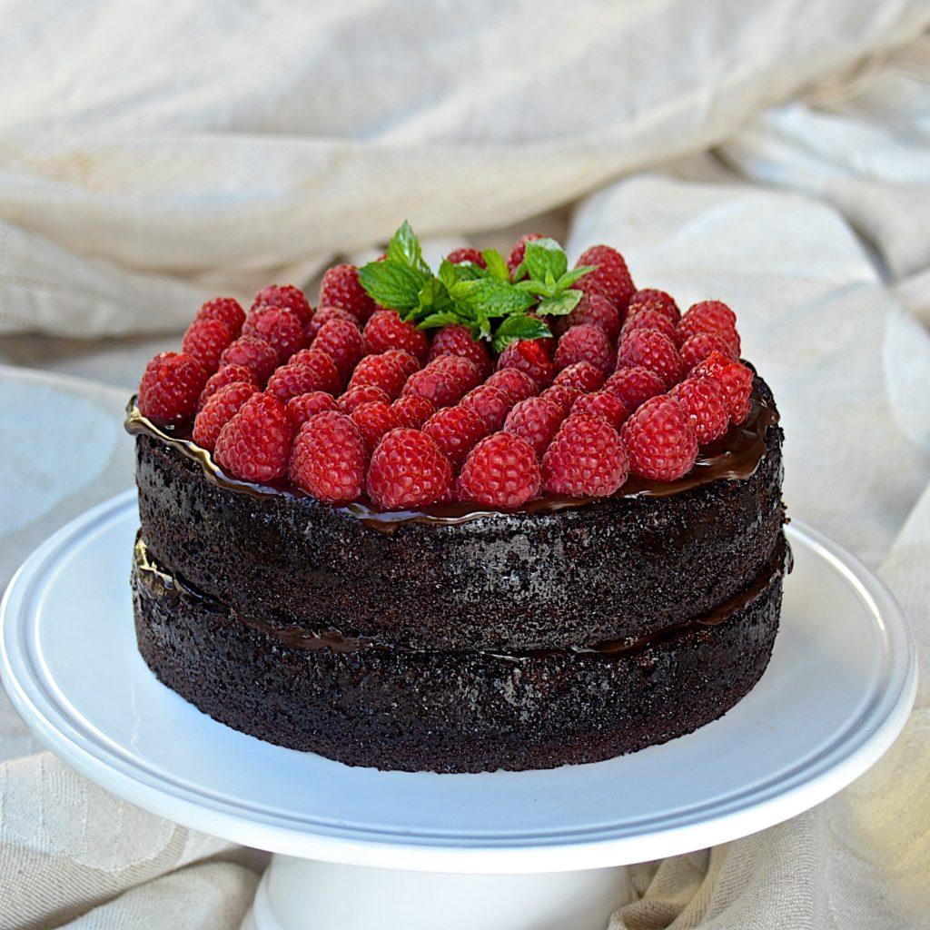 Chocolate cake with chocolate ganache and raspberries
