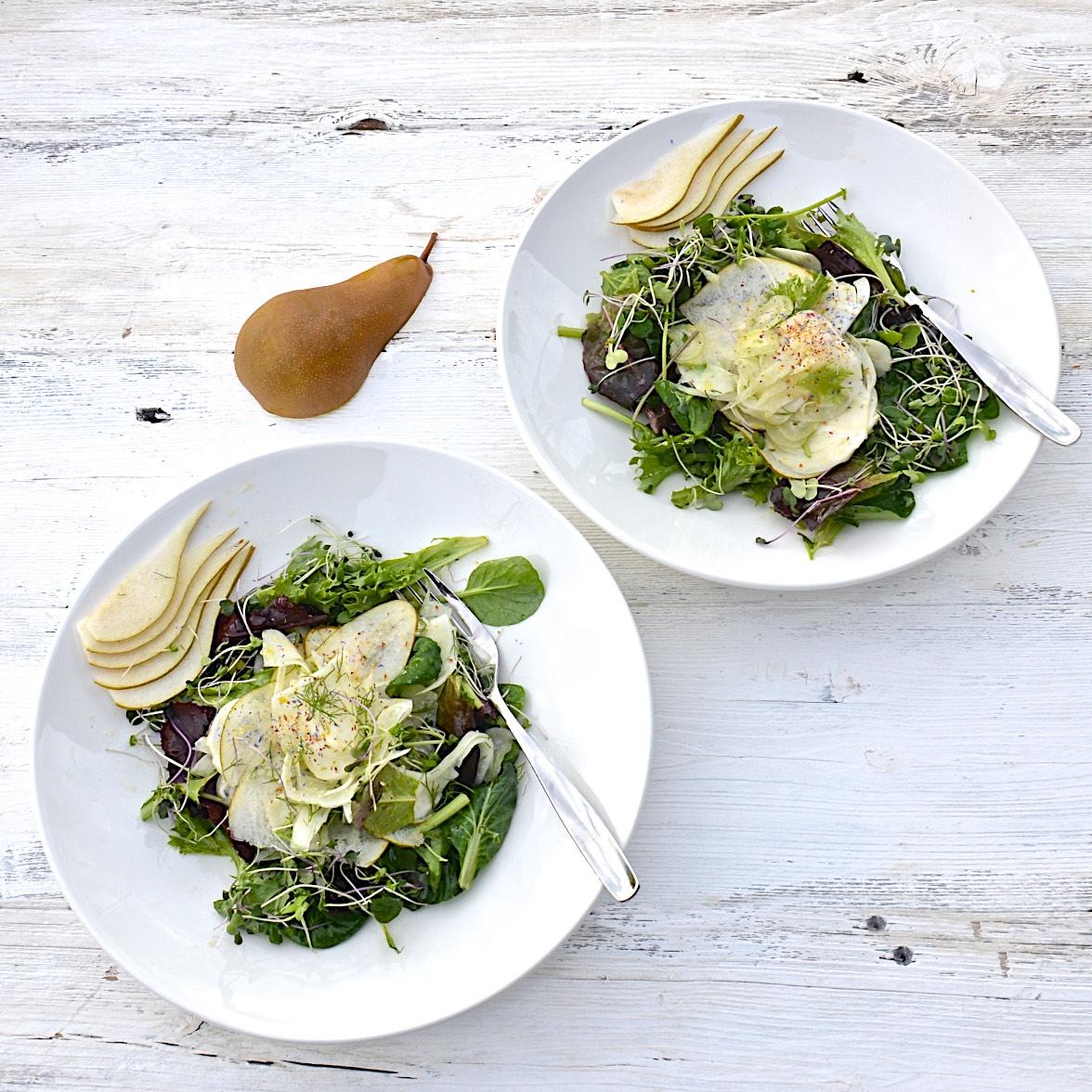 Lemon-marinated fennel and pear salad