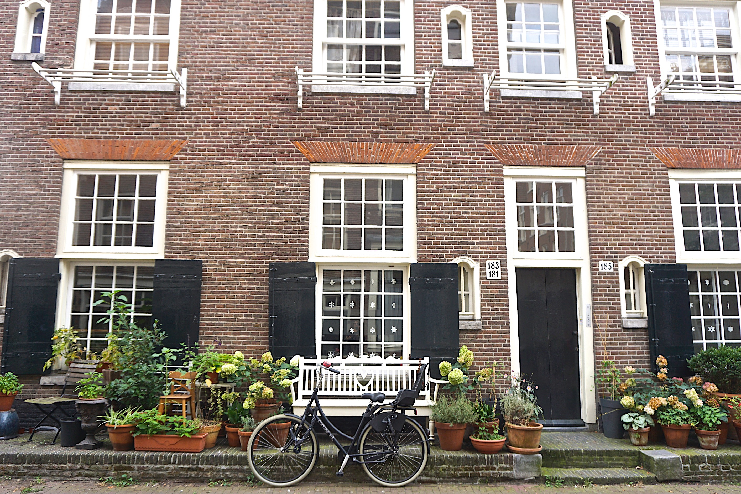 Side street in the Jordaan, Amsterdam