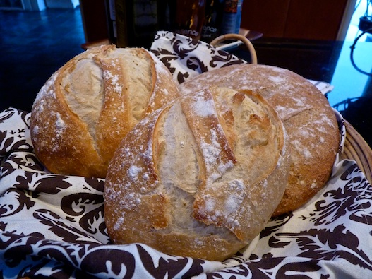 Country style crusty loaf olive oil and lemons dina honke - Pizzeria venecia marbella ...