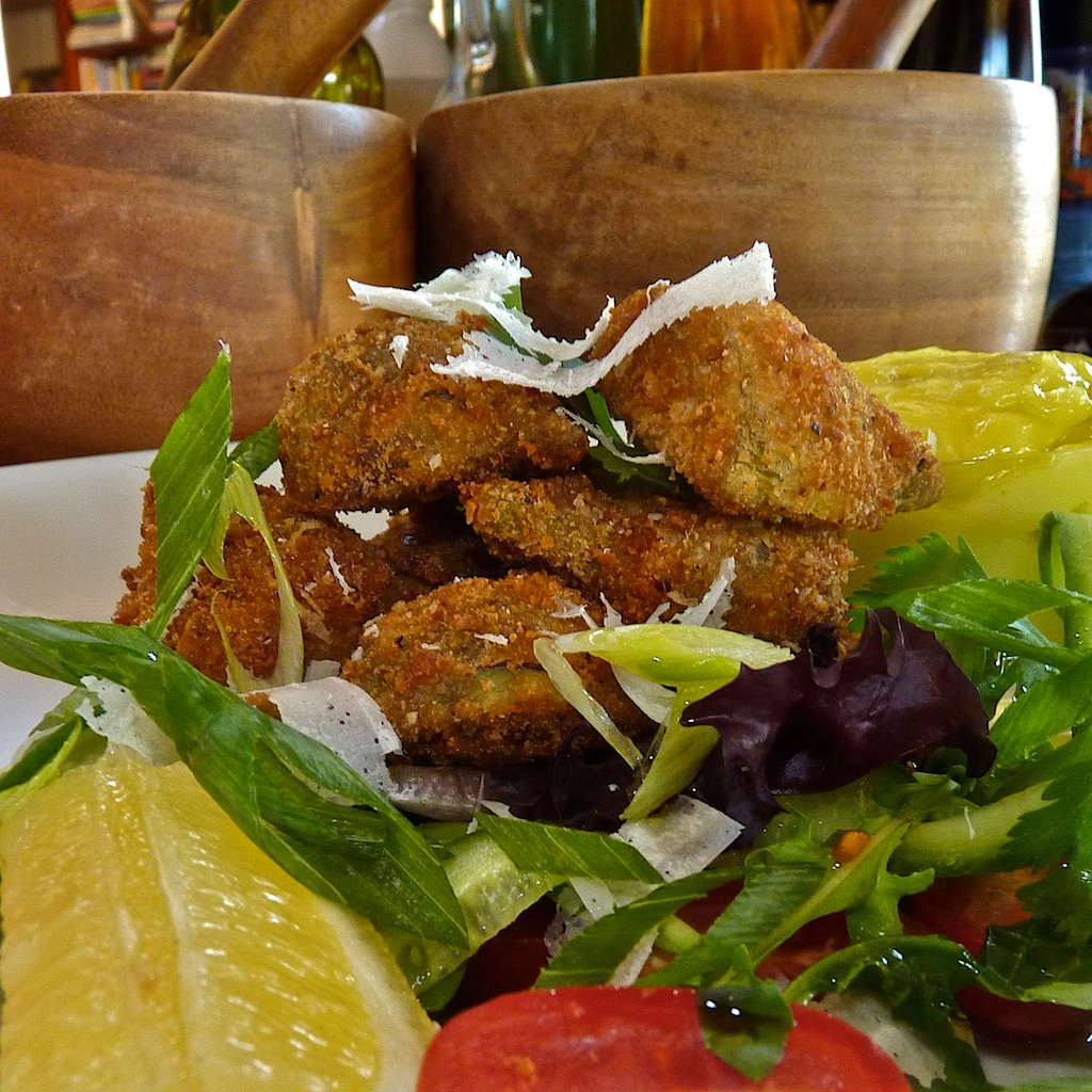 Avocado fritters salad