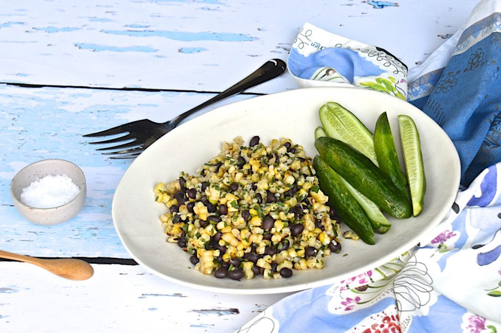 Grilled corn and black beans salad