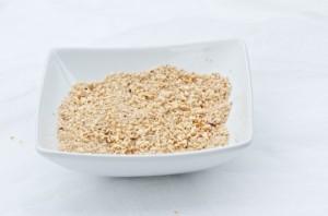 Sugared macadamia sprinkle