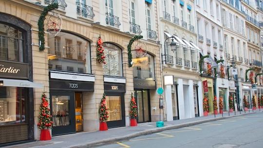 christmas in paris champagne at le bar du bristol. Black Bedroom Furniture Sets. Home Design Ideas
