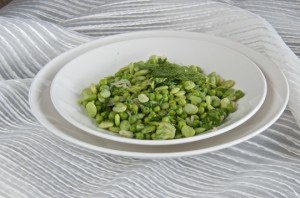 Peas, lima beans and butter lettuce with dill