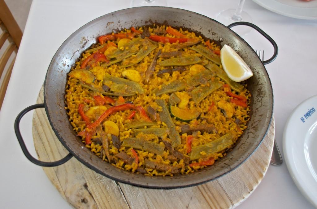 Vegetable paella at La Pepita, Valencia