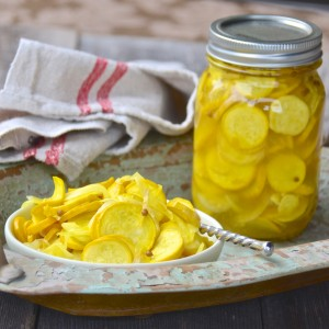 Yellow zucchini pickles