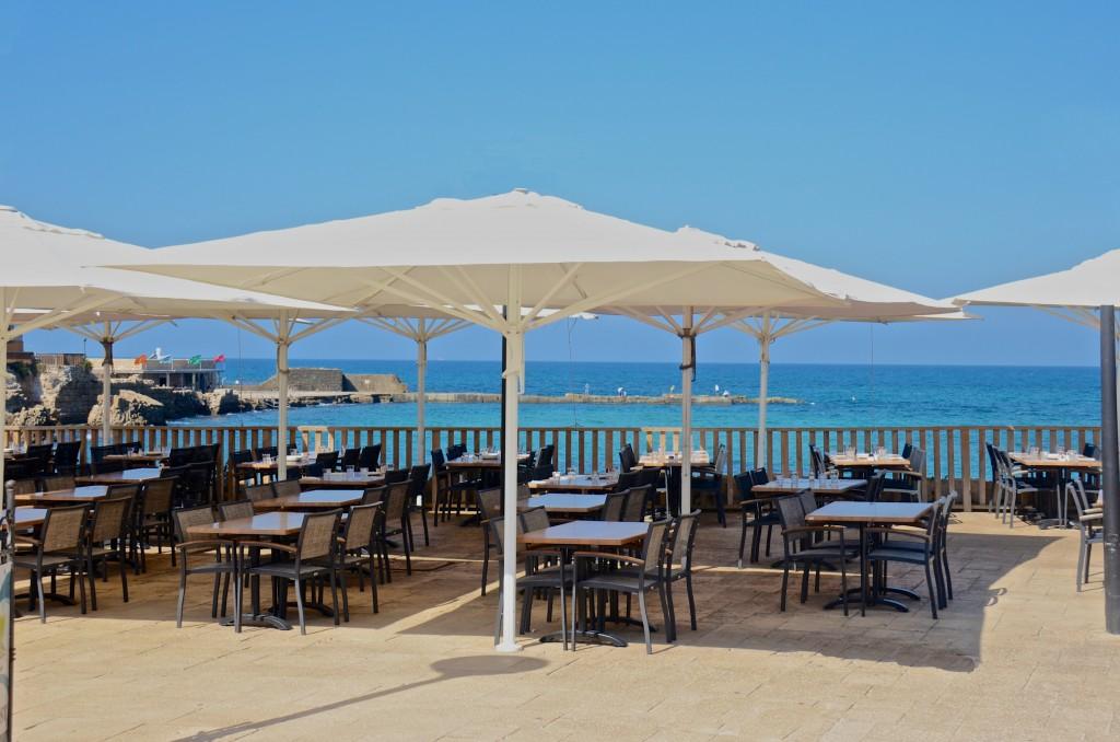 Beachside dining, Casarea