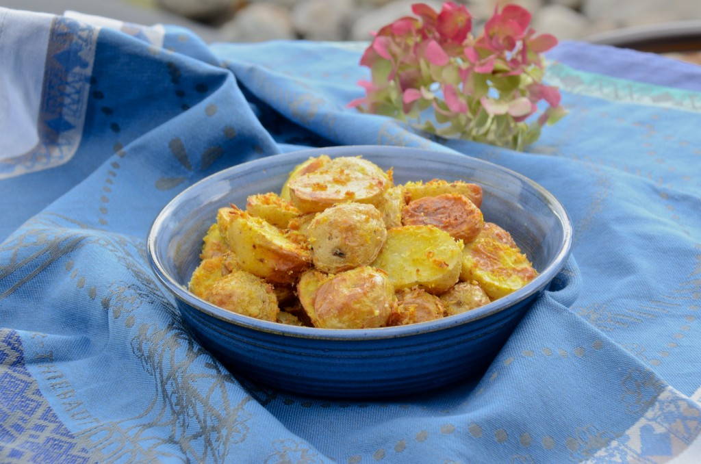 Roasted potatoes with coconut flakes