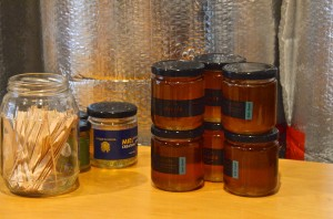 Alveole: honey for sale