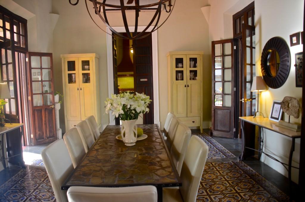 Villa Verde dining room