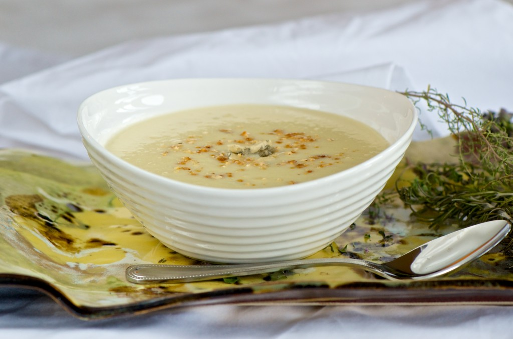 Cauliflower soup with gorgonzola