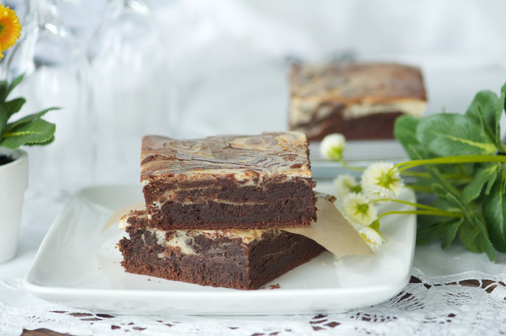 Fudgy cream cheese brownies with baileys