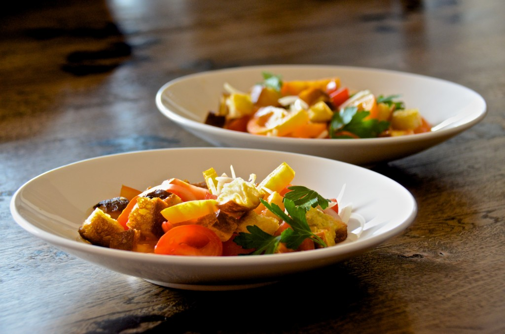 Red and yellow tomato salad (panzanilla)