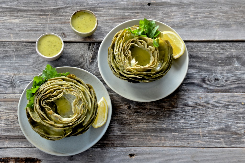 Artichokes with lemon butter parsley sauce