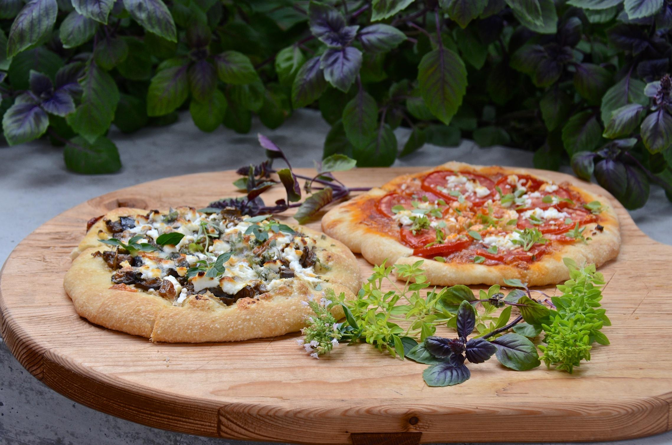 Pizza night mushroom pizza tomato pizza olive oil and lemons dina honke - Pizzeria venecia marbella ...