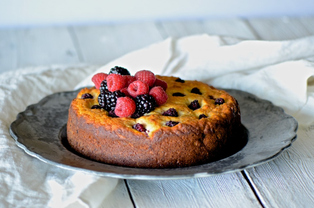 Ricotta and berry cake
