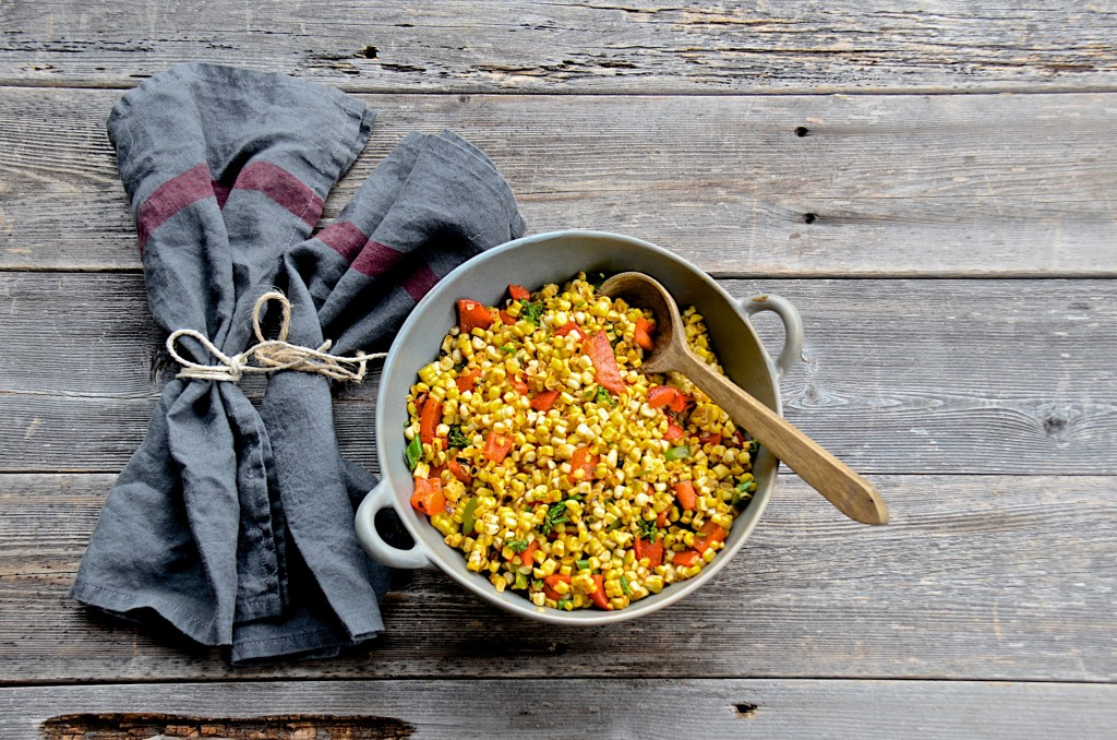 Grilled corn salad with roasted red pepper