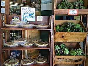 Arcangeli's grocery Co. in Pescadero