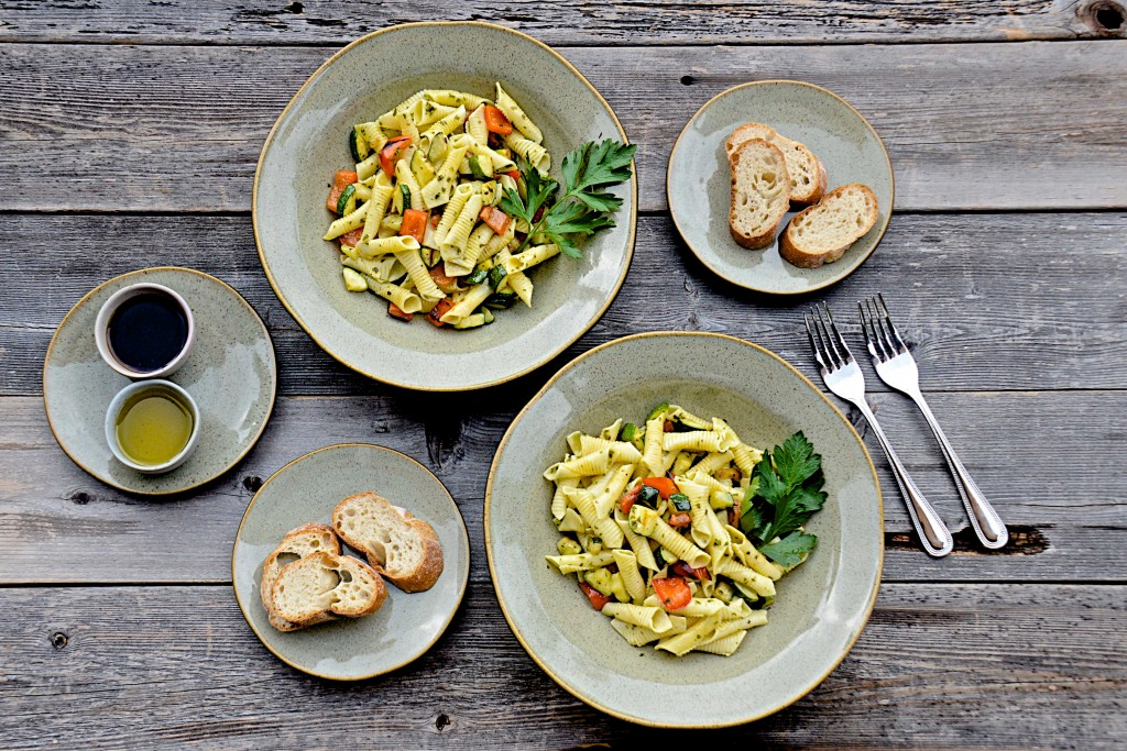 Pasta with summer zucchini and red pepper