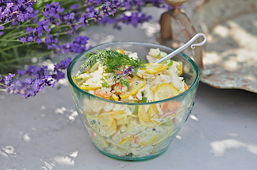 Potato vegetable salad with dill