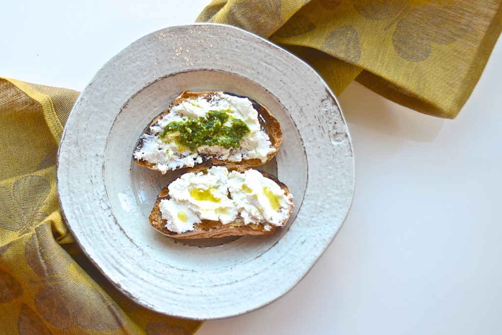 Crostini with fresh ricotta