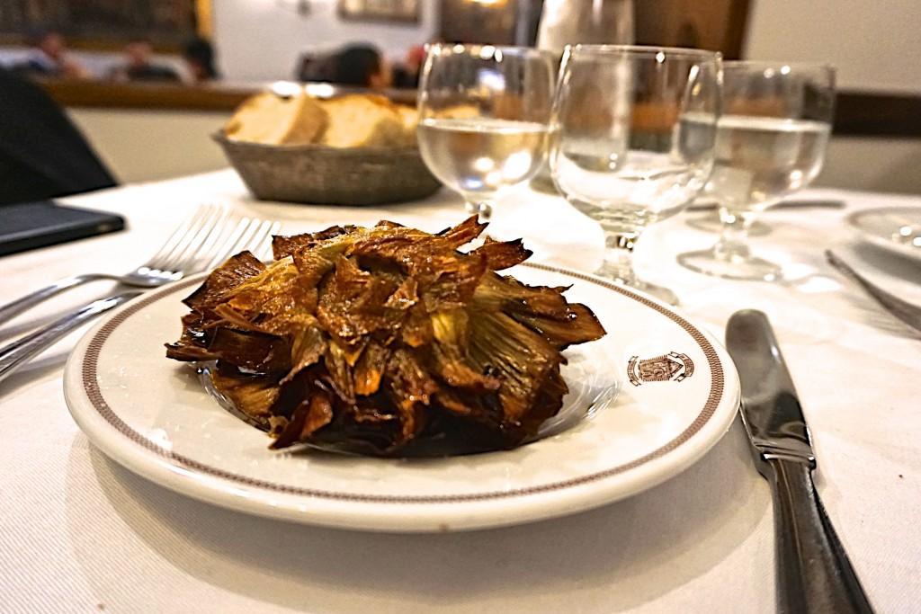 Artichoke alla Giudia at Da Goggetto