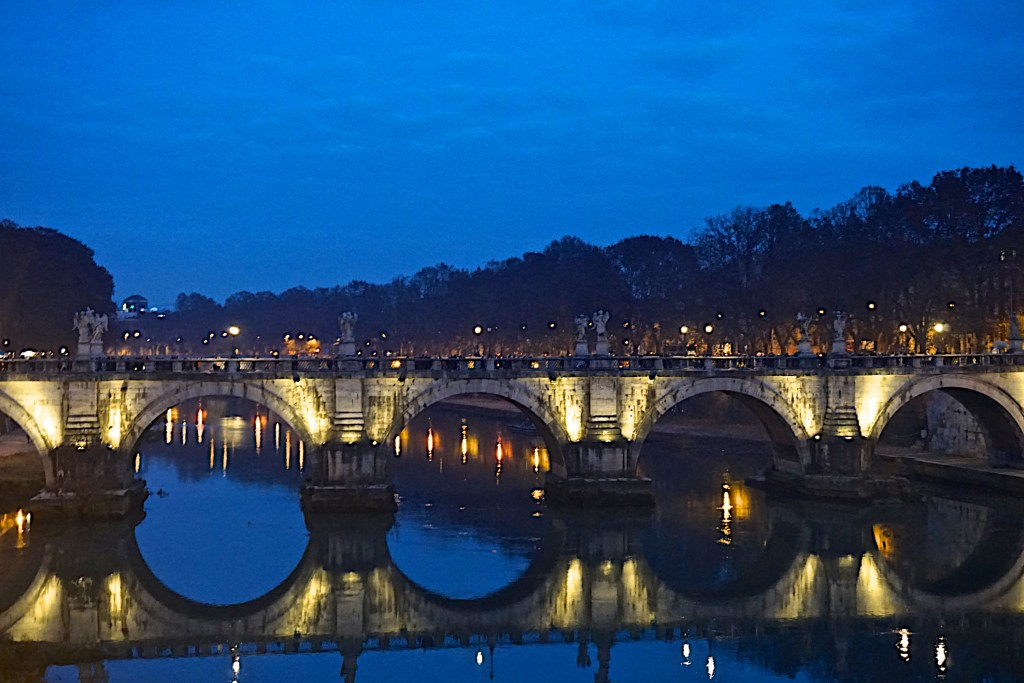 Rome, the bridge to Castel Sant' Angelo