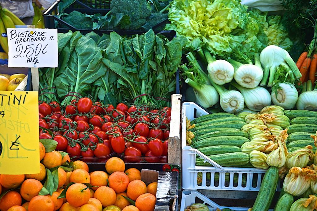 Street market in Rapalo, Liguria, Italy