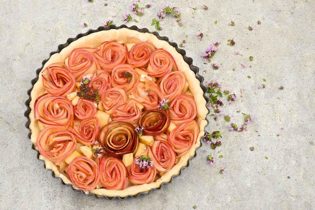 Apple roses tart - before baking
