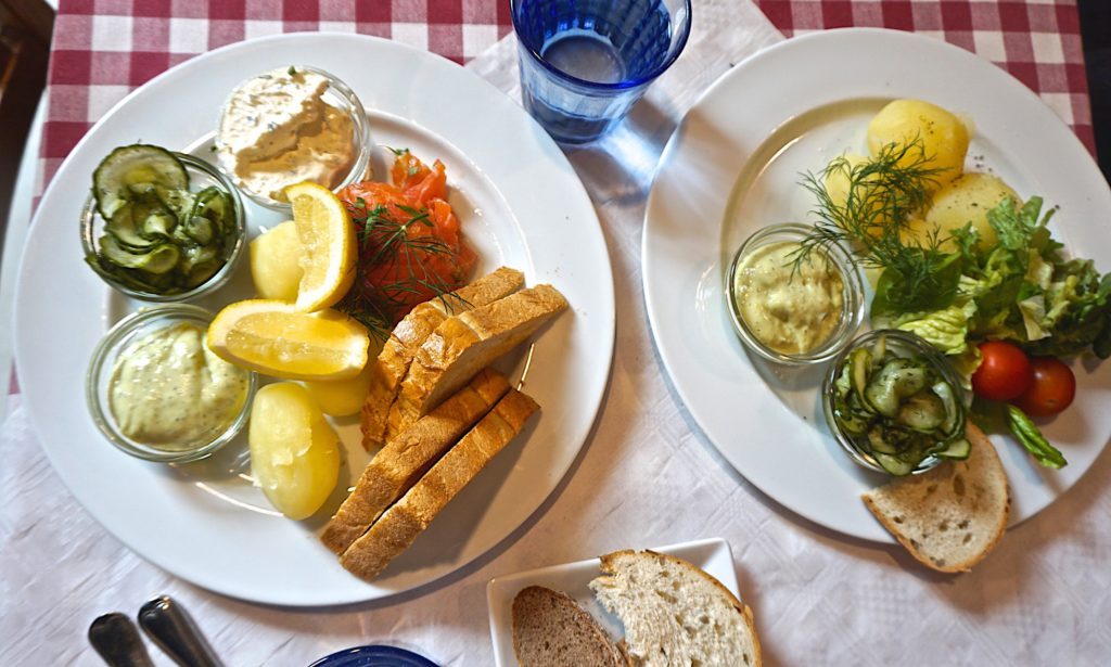 Gravlax with boiled potatoes and mustard sauce